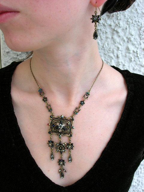 Smyckeset Halsband o Örhängen - Kristaller/Svart